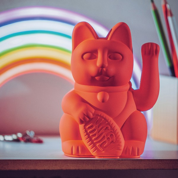 330437_donkey_products_lucky_cat_neonpink_mood_720x600